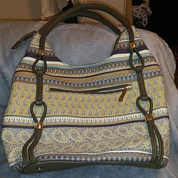 Charming Charlie Handbags - Charming Charlie NWOT bag.